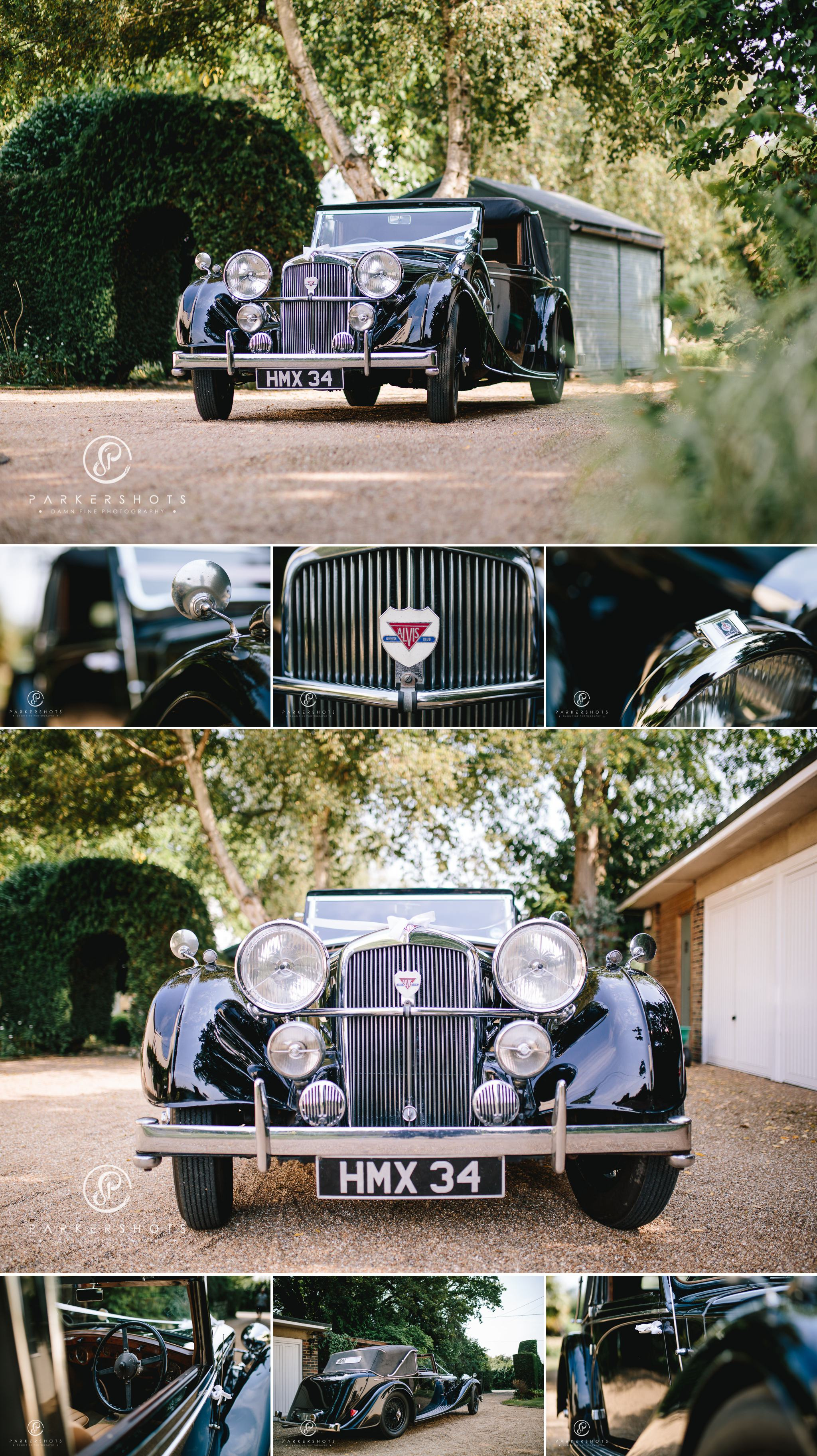 Classic wedding car for relaxed wedding